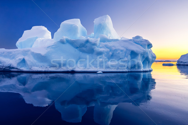 Glacier neige belle hiver recherche eau Photo stock © goinyk