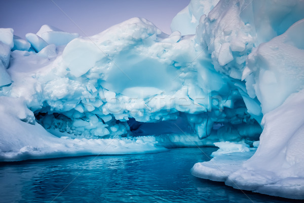 Ghiacciaio neve bella inverno ricerca acqua Foto d'archivio © goinyk