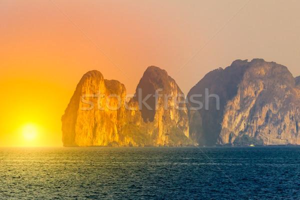 Trópusi tájkép szirt tenger dél Thaiföld Stock fotó © goinyk