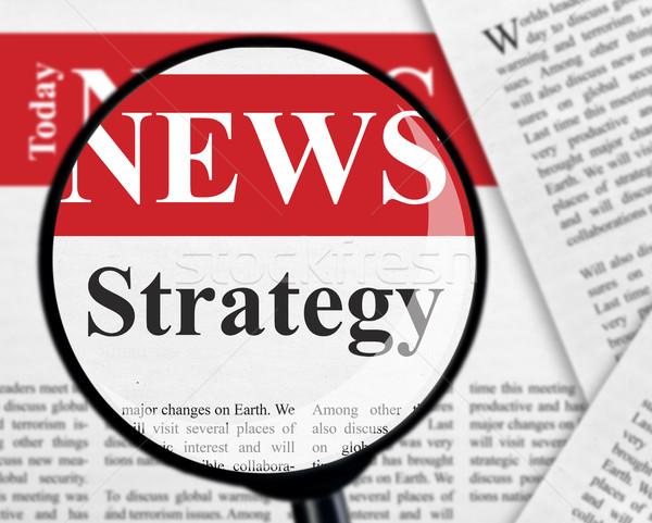Estratégia manchete lupa papel revista dados Foto stock © goir
