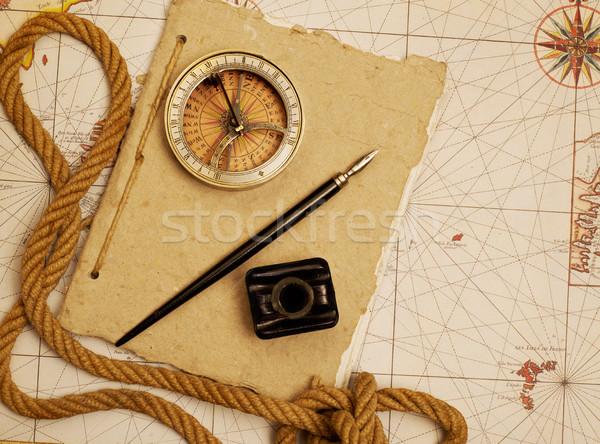 Vintage kompas dziennika morskich wyposażenie starej mapy Zdjęcia stock © goir