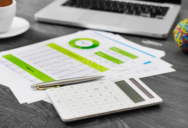 Calculator financiële papieren gegevens koffie industrie Stockfoto © goir