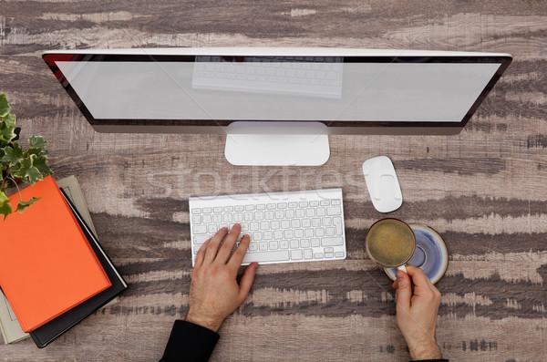 Designer számítógép közvetlenül fölött kilátás dolgozik Stock fotó © goir