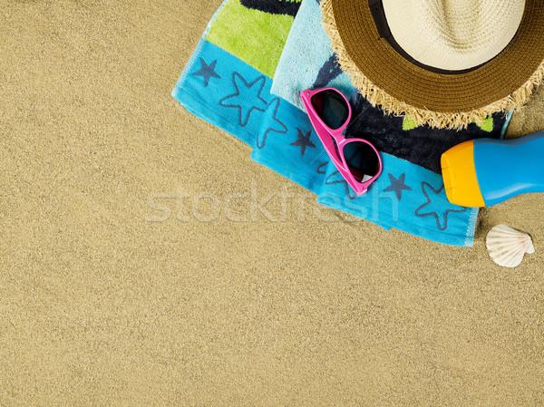 Strand scène exemplaar ruimte strandlaken zonnebril hoed Stockfoto © goir