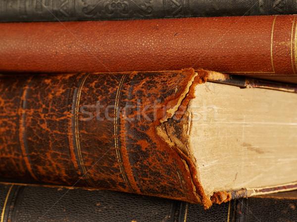 Foto d'archivio: Vecchio · libri · colonna · vertebrale · primo · piano · libro · fotografia