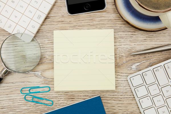 Zelfklevend nota kantoor tabel teken schrijven Stockfoto © goir