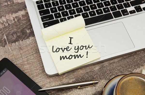 Amore mamma messaggio adesivo nota desk Foto d'archivio © goir