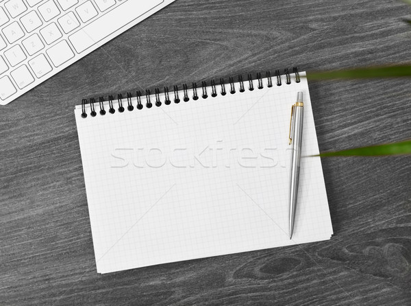 Caderno diretamente acima ver trabalhando tabela Foto stock © goir