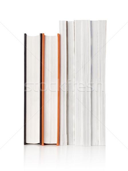Livres magazines vue blanche apprentissage Photo stock © goir