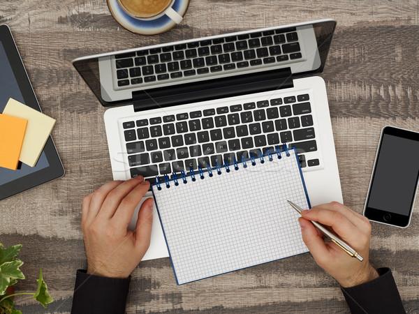 Man bureau notebook rechtstreeks boven Stockfoto © goir