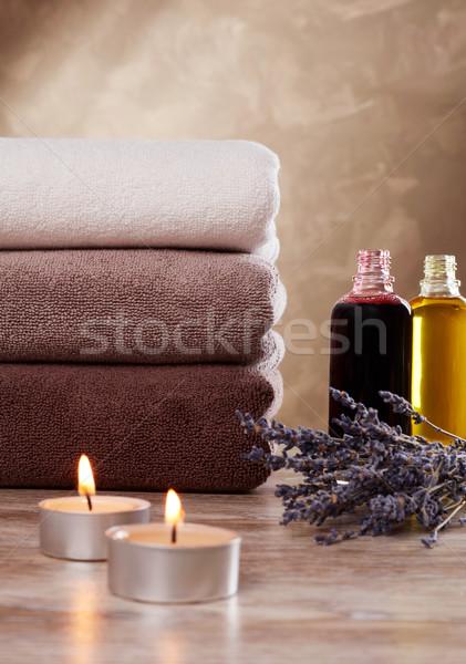 Shampoo asciugamani candele lavanda medicina care Foto d'archivio © goir