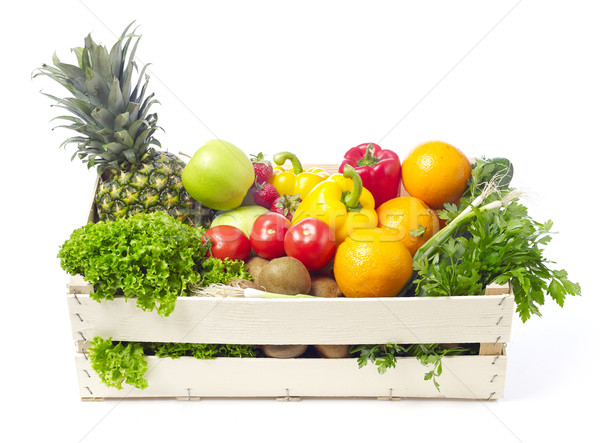 Gyümölcsök zöldségek fából készült láda izolált fehér Stock fotó © goir
