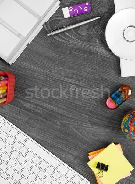 Werken tabel rechtstreeks boven computer Stockfoto © goir