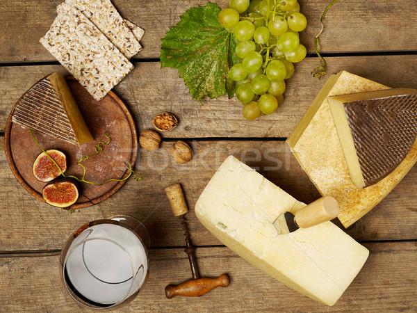 Kaas wijn houten tafel druif snack Stockfoto © goir