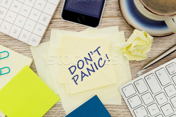 Panika wiadomość przyczepny Uwaga biuro tabeli Zdjęcia stock © goir