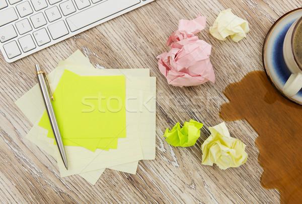 ストックフォト: 接着剤 · 注記 · 乱雑な · デスク · 木製 · 紙
