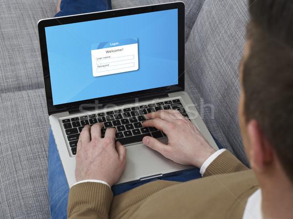 Stock fotó: Bejelentkezés · laptop · férfi · kanapé · internet · technológia