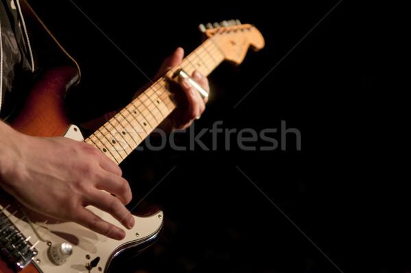 Muzikant handen gitarist exemplaar ruimte man Stockfoto © Gordo25