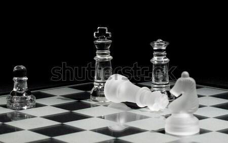 Rei rainha tabuleiro de xadrez vidro poder sucesso Foto stock © Gordo25