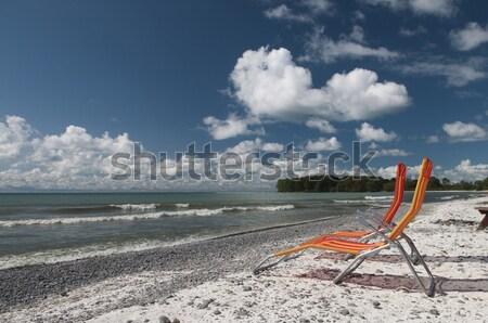 Twee stoelen strand meer ontario witte Stockfoto © Gordo25