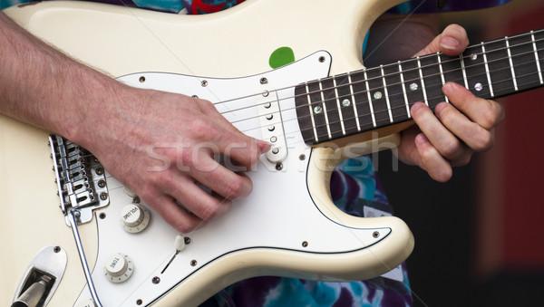 Gitaar elektrische gitaar muzikant uit man Stockfoto © Gordo25