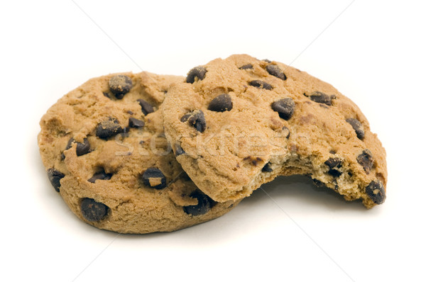 Dos chocolate chip cookies morder fuera Foto stock © Gordo25