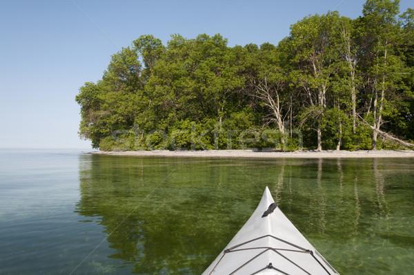 Foto stock: Caiaque · lago · arco · primeiro · plano · praia