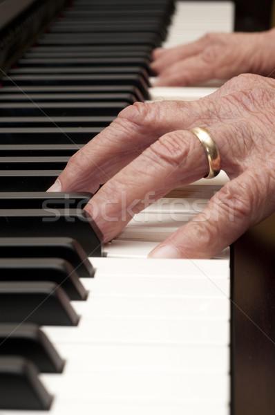 Mãos piano foco primeiro plano mão Foto stock © Gordo25