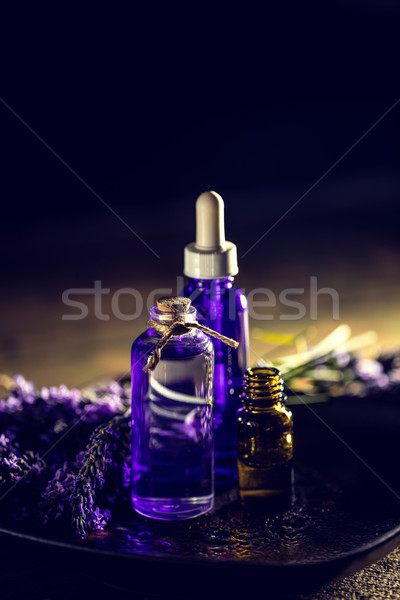 Aromathérapie pétrolières fraîches lavande fleur sombre Photo stock © grafvision
