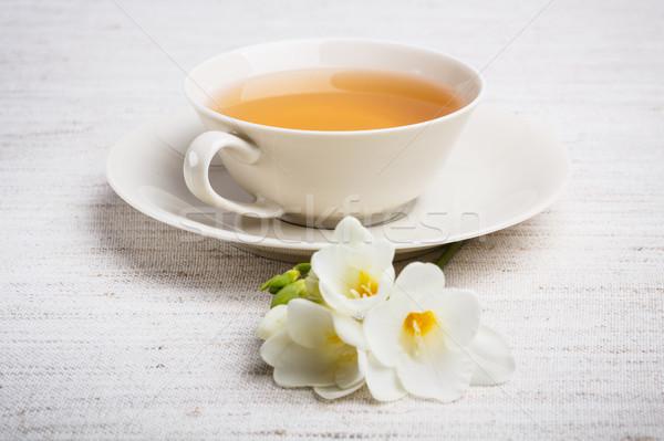 Csésze tea közelkép ital cukorka tányér Stock fotó © grafvision