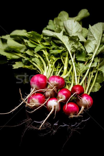 свежие небольшой красный редис черный продовольствие Сток-фото © grafvision