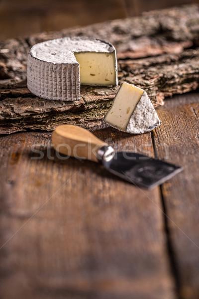 Cremoso rústico madera queso Foto stock © grafvision