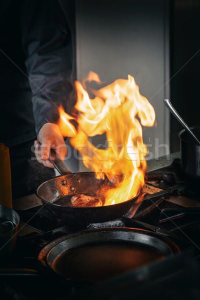 Сток-фото: профессиональных · повар · коммерческих · кухне · приготовления · продовольствие