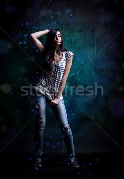 Jeune femme hip hop danseur grunge mur texture Photo stock © grafvision