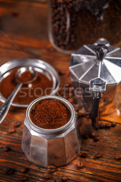Oude koffiezetapparaat vintage stijl houten koffie Stockfoto © grafvision