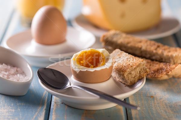 Gekochtes Ei Toast Brot Holztisch Essen Frühstück Stock foto © grafvision