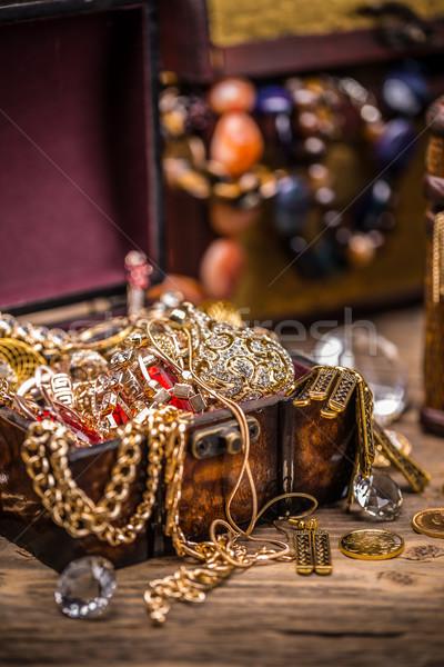 Hazine natürmort ahşap altın madeni para Stok fotoğraf © grafvision