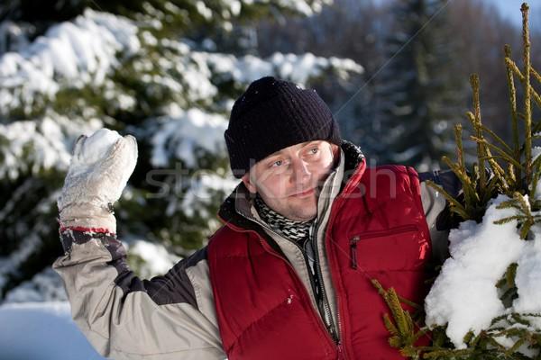 Moço jogar bola de neve ao ar livre inverno parque Foto stock © grafvision