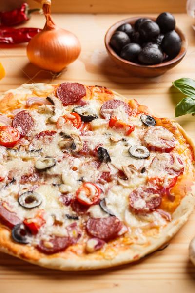 Stock fotó: Frissen · sült · pizza · egész · finom · étel