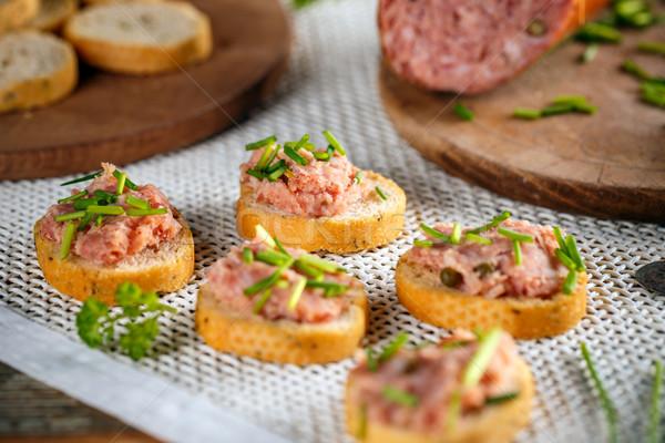 вкусный пальца продовольствие брускетта печень колбаса Сток-фото © grafvision