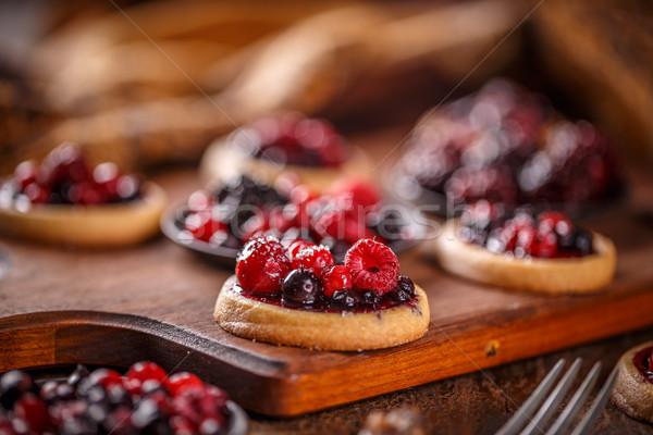 Tortas mini fruto mesa de madeira comida bolo Foto stock © grafvision
