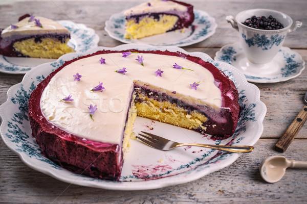 Délicieux maison crème fouettée mascarpone gâteau Photo stock © grafvision
