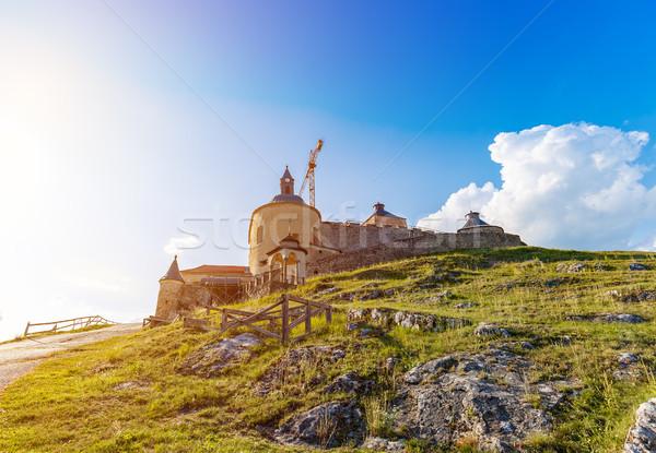 Castelo reconstrução trabalhar céu floresta montanha Foto stock © grafvision