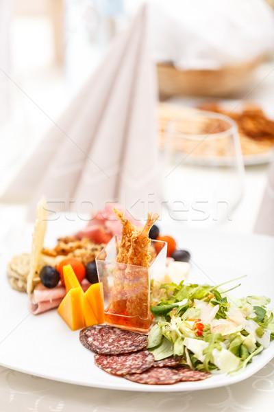 Quente camarão aperitivos alface restaurante tabela Foto stock © grafvision