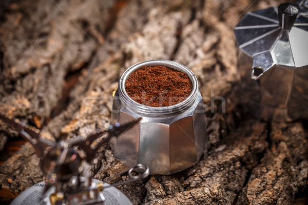 Italiaans koffiezetapparaat grond koffie achtergrond drinken Stockfoto © grafvision