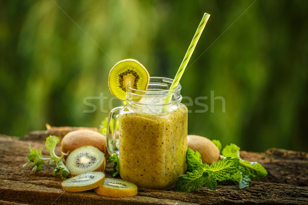 Saine smoothie vert verre vert sunrise froid Photo stock © grafvision