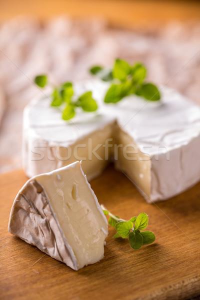 Camambert yumuşak peynir ahşap arka plan Stok fotoğraf © grafvision