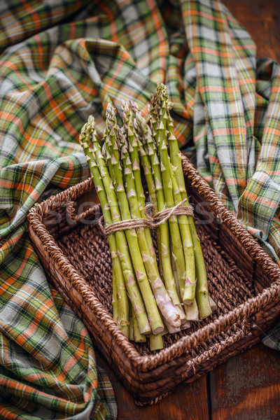 Fresche asparagi basket rustico Foto d'archivio © grafvision