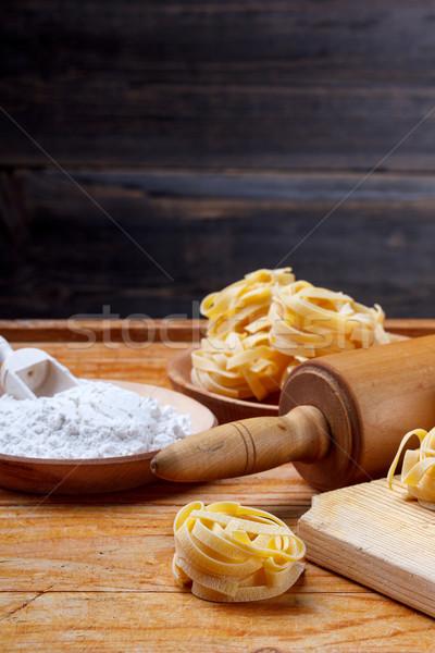 Vers eigengemaakt tagliatelle rustiek achtergrond Stockfoto © grafvision
