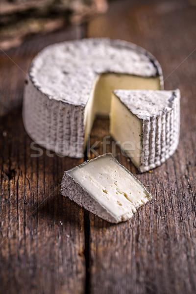 Camambert peynir rustik ahşap beyaz Stok fotoğraf © grafvision
